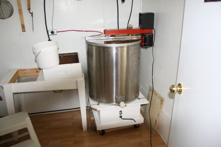 Honey extraction equipment